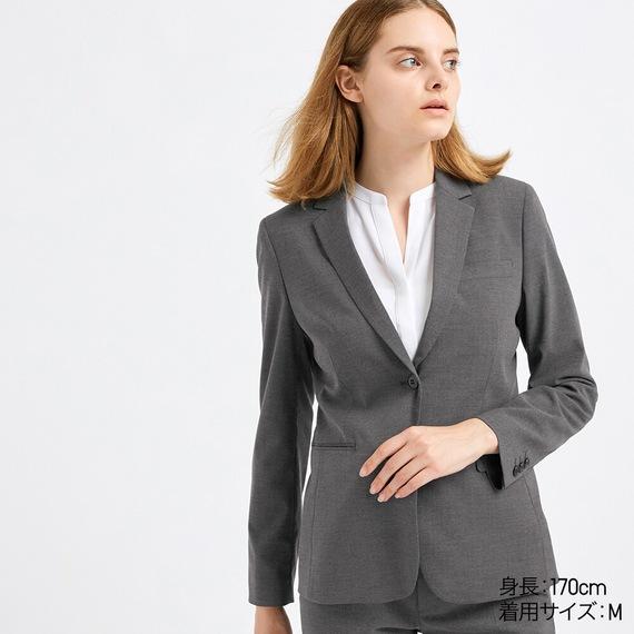 女性 転職面接 スーツ グレー ユニクロ